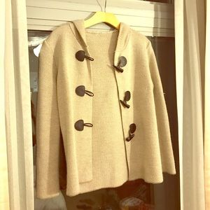 Sweaters - Italian hooded tan sweater jacket with buttons